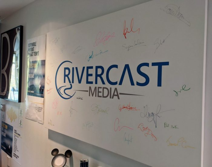 Tableau-rivercast-media-signatures-entree